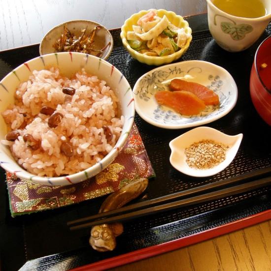 真盛堂甘味茶蔵のお赤飯セット